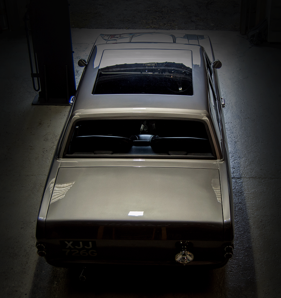customised cortina